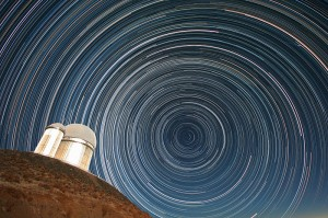 Star_trails_over_the_ESO_3.6-metre_telescope