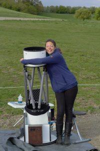Esther met telescoop