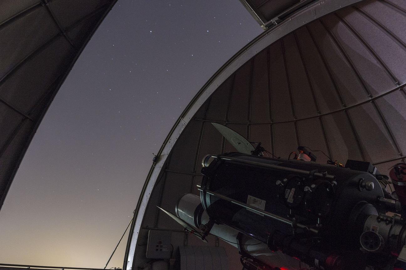 Avondje sterrenwacht vanaf de bank